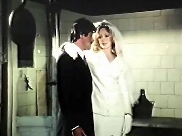La pornocamarera 1980